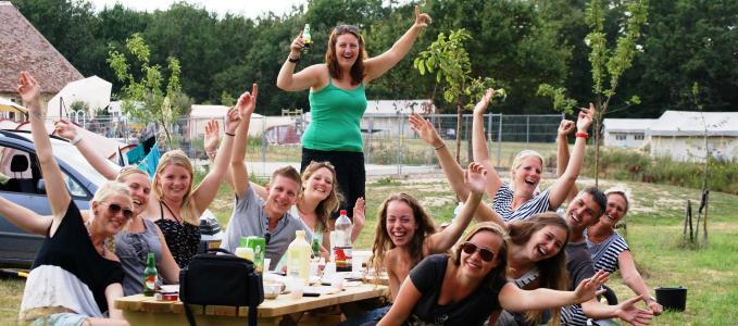 vrijwilligerswerk_gezellig_team_goed_doel